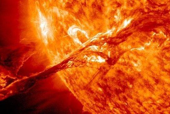 Avertisment sever după ce în ultima săptămână au avut loc 7 explozii solare