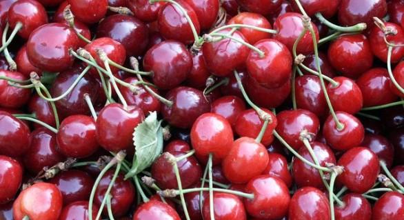 7 motive pentru care ar trebui să consumi cireșe în această perioadă