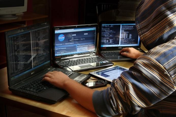 Probleme mari în Rusia: Cea mai importantă companie petrolieră ar fi fost lovită de un atac cibernetic masiv