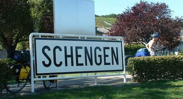 Cinci ţări Schengen cer modificarea regulilor de reintroducere a controalelor la frontierele interne