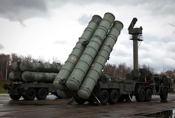 Rusia a instalat rachete sol-aer S-400 în suburbiile Moscovei, în stare de luptă