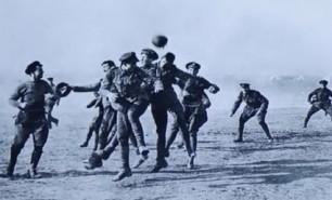 """(VIDEO) Adevărul despre """"Armistiţiul de Crăciun"""", meciul care a schimbat istoria fotbalului în Primul Război Mondial"""