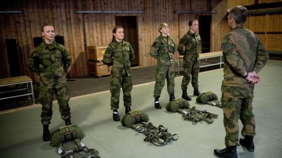 Soldat, militar, fete, femei, Norvegia, Foto forsvaret.no