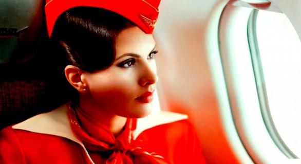 (GALERIE FOTO) Stewardesele care sunt aduse la muncă cu maşini de lux, primesc locuinţe gratuite şi au multe alte avantaje