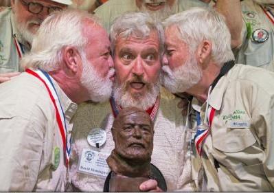 (VIDEO) Un concurs de sosii ale lui Ernest Hemingway a fost câștigat de un tiz al scriitorului american
