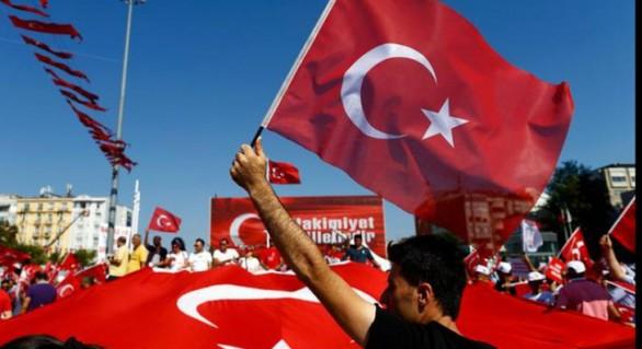 Lira turcească se prăbușește, banca centrală incapabilă să stopeze declinul