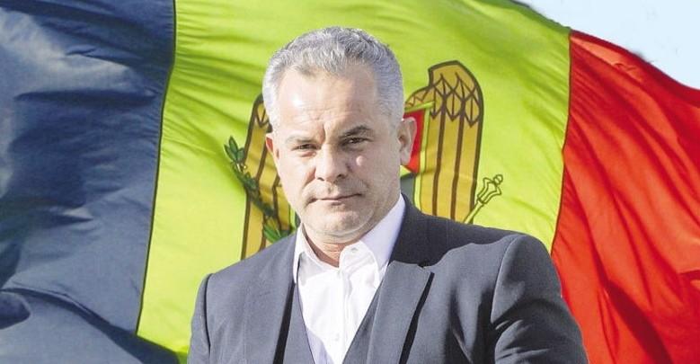 """(VIDEO) Plahotniuc, """"Dumnezeul moldovenesc"""", care formează Parlamentul și arestează prim-miniștri"""