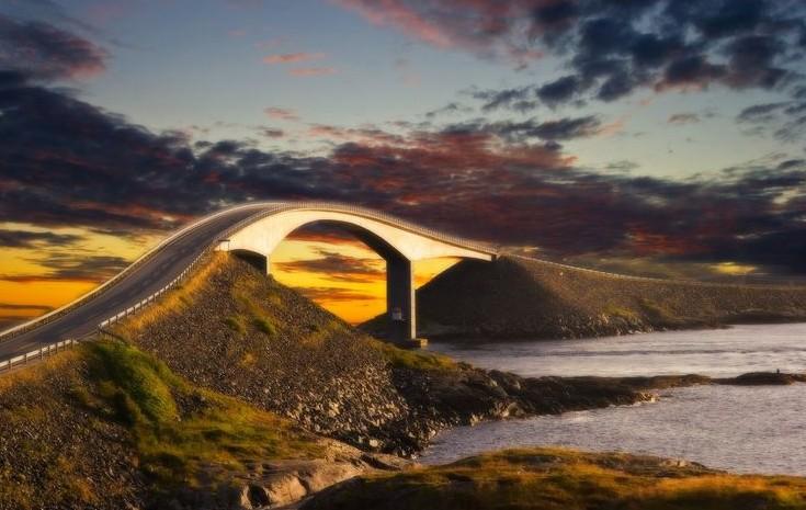 (GALERIE FOTO) Top 14 drumuri fascinante din Norvegia care te lasă fără cuvinte