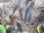 (VIDEO) Cutremur în Italia: Momentul emoţionant când o fetiţă de 10 ani este scoasă de sub dărămături după 17 ore