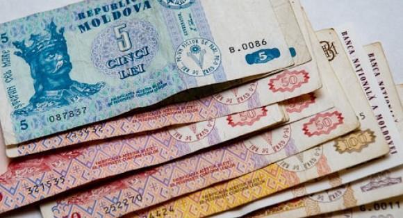 Paradox bancar în Republica Moldova: Numărul creditelor care se achită – scade, celor dubioase – crește