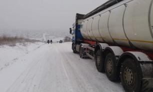 Zăpadă pe drumurile din Moldova: 10 sfaturi utile pentru a conduce în aceste condiții