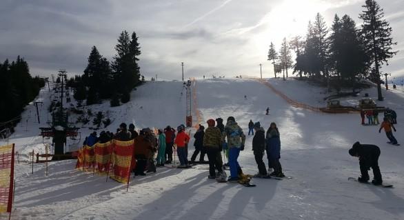 """Circa 40 de moldoveni au fost """"uitați"""" pe pârtie, în România, la -24 de grade Celsius"""