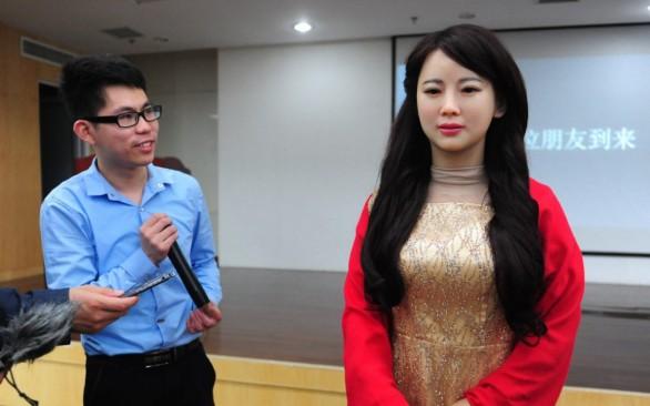 (VIDEO) Jia Jia, robotul uimitor care reprezintă un prim pas în utilizarea androizilor