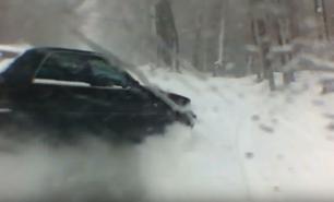 (VIDEO) Iresponsabilitate în trafic: Cum a provocat șoferul unui Mercedes un accident