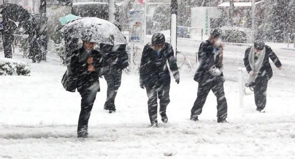(METEO) Vremea rea se întoarce: Ger și ninsori, începând de luni