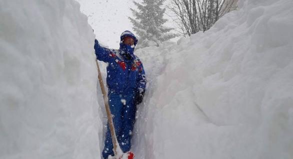 (FOTO şi VIDEO) Val de ger polar peste Europa: Zeci de morţi, accidente în lanţ, haos pe şosele şi aeroporturi