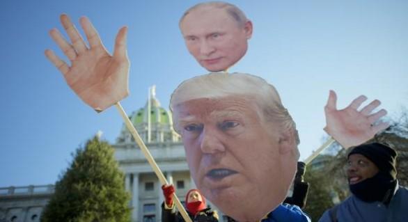 Cu ce îl poate șantaja Putin pe Trump: Kremlinul ar deține înregistrări de natură sexuală cu președintele american