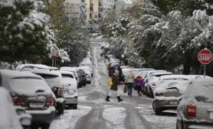 Iarnă grea în Europa: Regiunea Atenei paralizată de cea mai puternică ninsoare din ultimul deceniu