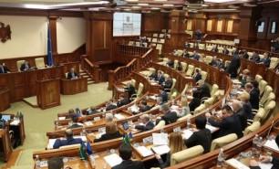 Zeci de proiecte legislative, promovate în detrimentul societății; Guvernanții au prejudiciat statul de aproape 280 milioane de lei