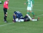 (VIDEO) Aproape de moarte, pe teren: Un fotbalist i-a salvat viața pe teren portarului advers, după o accidentare gravă
