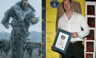 """Neil Fingleton, gigantul de 2,33 metri din """"Game of Thrones"""" a decedat la 36 de ani"""