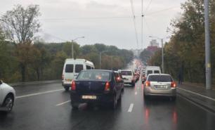 Trafic infernal în Chișinău: Se circulă bară la bară pe mai multe străzi
