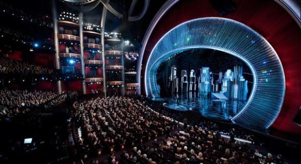 Cel mai penibil moment din istoria Oscarurilor: Cum a bătut-o LuLu pe LaLa