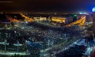 (FOTO) A 5-a zi de proteste în România a adus un număr record de manifestanți; Mesajele geniale ale românilor