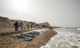 Crucea Roşie anunţă descoperirea a 74 de migranţi morţi pe o plajă libiană din apropiere de Zawiya