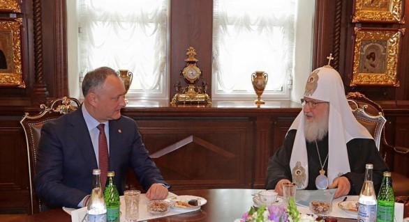 Nicio deplasare la Moscova fără întrevedere cu Patriarhul. Igor Dodon, din nou, față în față cu Kiril