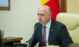Cu două zile înaintea protestului anunţat de angajaţii CFM, premierul Pavel Filip cere soluții