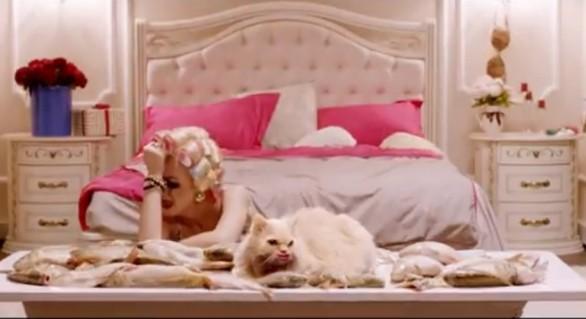 """(VIDEO) Carla's Dreams revine în atenția publicului cu un nou clip, la piesa """"Dragostea din plic"""""""