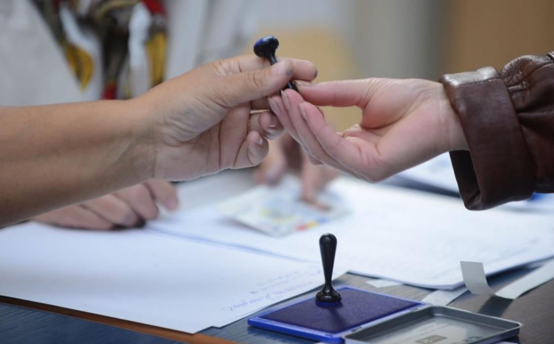 PD, în goana după semnături privind votul uninominal: Jumătate de milion, în trei săptămâni