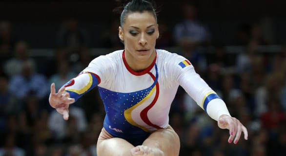 Gimnasta Cătălina Ponor, la aproape 30 de ani, obține aur la Cupa Mondială