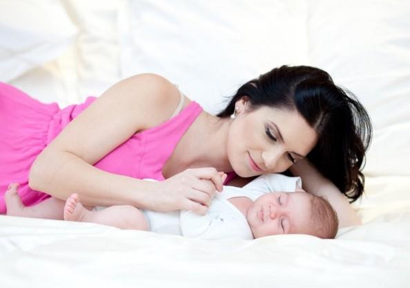 Veste bună pentru mame: Când îşi vor putea primi indemnizaţiile unice la naştere de 5.300 de lei