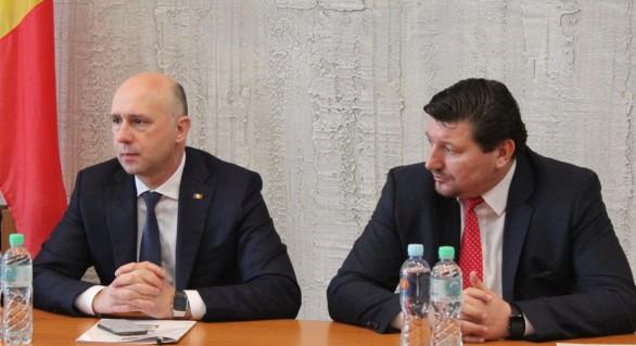 Premierul Filip îi cere președintelui Dodon demiterea ministrului Grama, la solicitarea acestuia