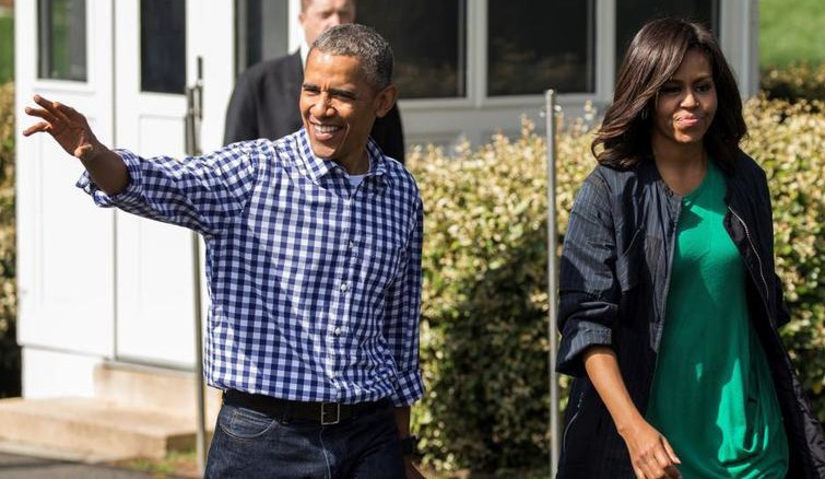 Cărţile încă nescrise ale lui Barack şi Michelle Obama se vând ca pâinea caldă