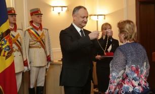 De 8 martie, preşedintele Igor Dodon a decorat opt femei cu distincţii de stat