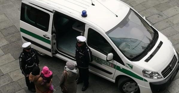 O femeie din Italia a fost cât pe ce să fie strangulată în plină stradă de un moldovean