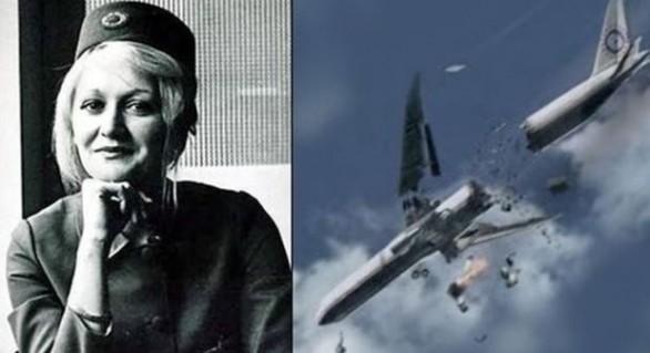 Caz miraculos: A supravieţuit unei căderi de la peste 10.000 de metri fără paraşută