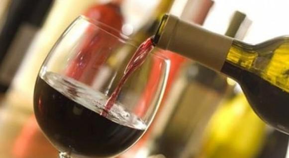 Vinul poate fi vândut și după ora 22.00