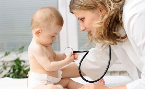 Ministerul Sănătății acuză părinții de neglijență: Ce se întâmplă cu mulți dintre copiii mici