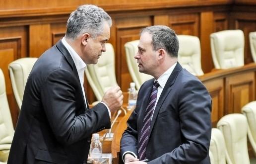 """(DOC) CEC a avizat proiectul PD privind votul uninominal: Autorii nu """"prietenesc"""" cu logica elementară, nici cu rigorile de scriere a unui act legislativ"""