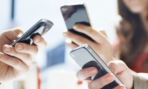 Uniunea Europeană elimină taxele de roaming. Când intră în vigoare schimbarea