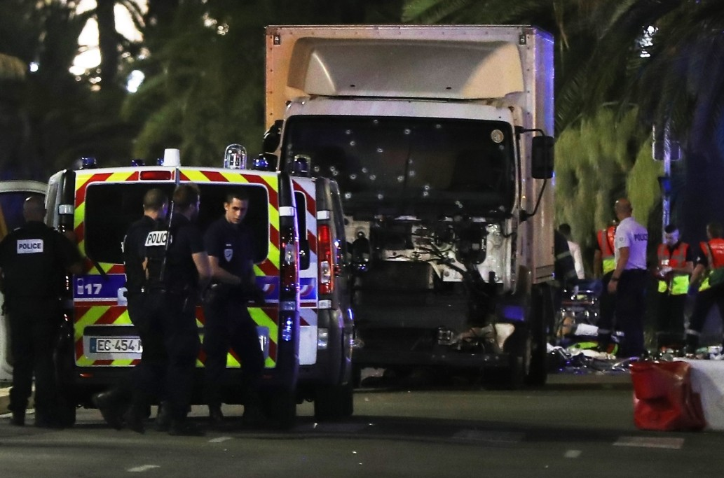 Atac armat în Franța, înainte de alegerile prezidențiale: Un polițist a fost ucis