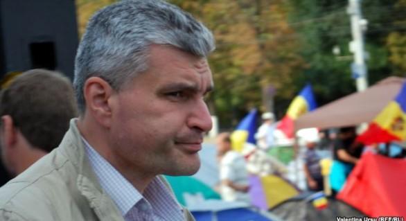 """Slusari: Plahotniuc vrea să transforme Moldova """"într-un paradis al criminalilor"""". """"Va vinde cetățenia unor Ostapi Benderi"""""""