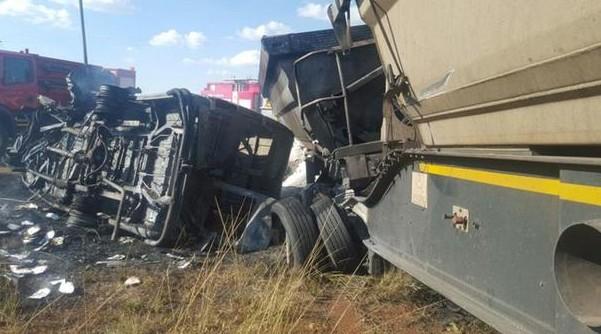 Cel puţin 20 de copii au murit într-un accident rutier produs în Africa de Sud