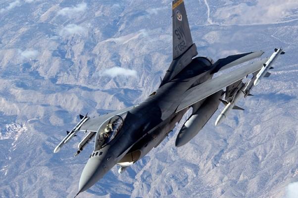 Lideri ai reţelei Stat Islamic, ucişi în urma unor atacuri aeriene în Sinai