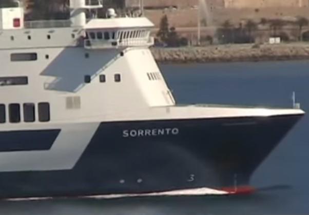 Cel puţin 13 răniţi, după ce un feribot s-a ciocnit de un dig într-un port din Insulele Canare