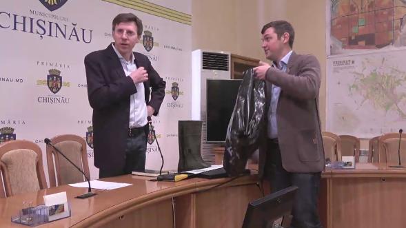 Dorin Chirtoacă își face cruce înainte de ședința Primăriei: Ce surpriză i-au făcut socialiștii?!